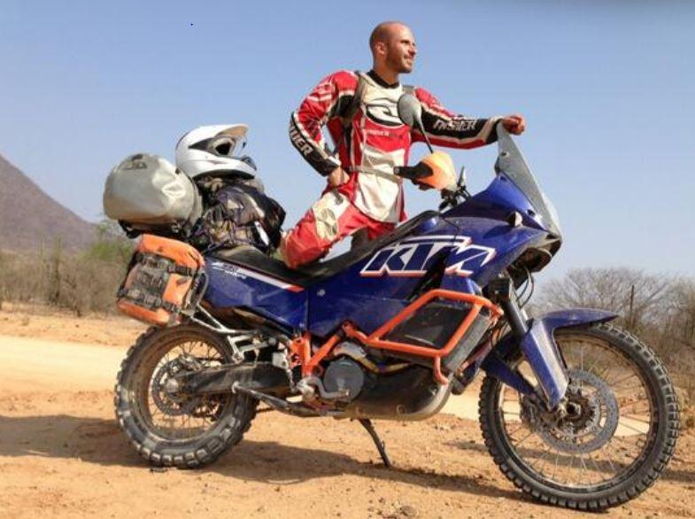 Se nota que Imanol Landeta ha cambiado y ahora gusta de la adrenalina de las motos