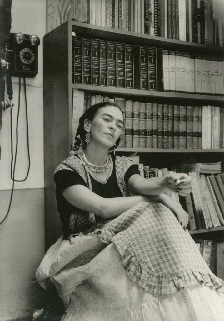 Para adentrarnos a los sentimientos más hondos de Frida Kahlo, debemos saber qué es lo que leía.