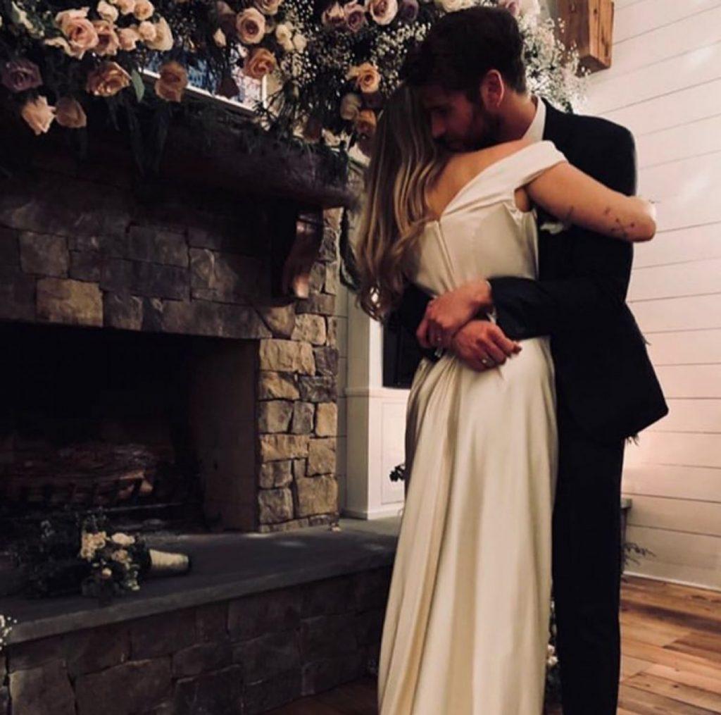 En diciembre del 2018, Liam y Miley dieron a conocer su boda íntima navideña, el matrimonio duro un año.