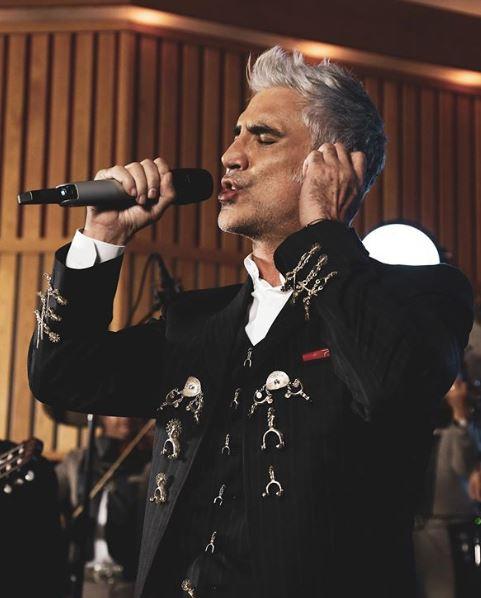 Alejandro Fernández dará concierto virtual para este 10 de mayo
