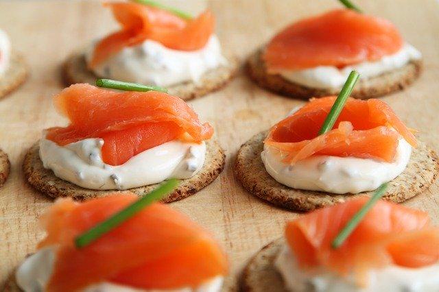 Pescados y mariscos son alimentos considerados ricos en vitamina D