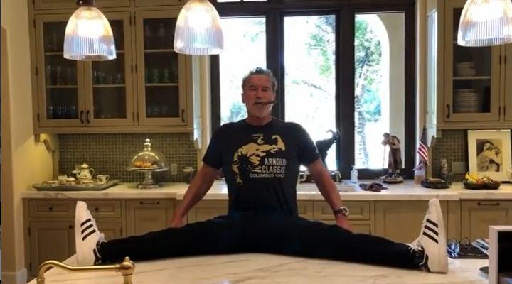 Arnold Schwarzenegger presume su buen físico en sus videos de Tik Tok