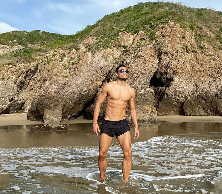 Carlos Rivera fotos en la playa