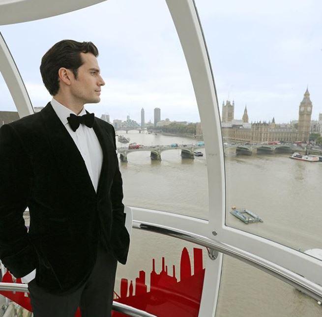 Henry Cavill nos presume una hermosa vista por Londres