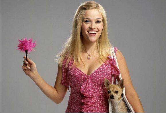 Reese Witherspoon como Elle Woods en legalmente rubia