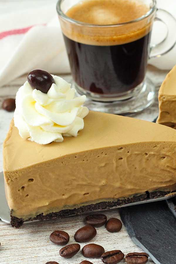 El cheesecake es un postre sin horno rápido y fácil de preparar