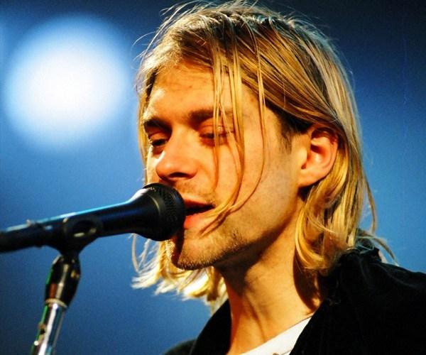 kurt cobain subasta guitarra unplugged nirvana