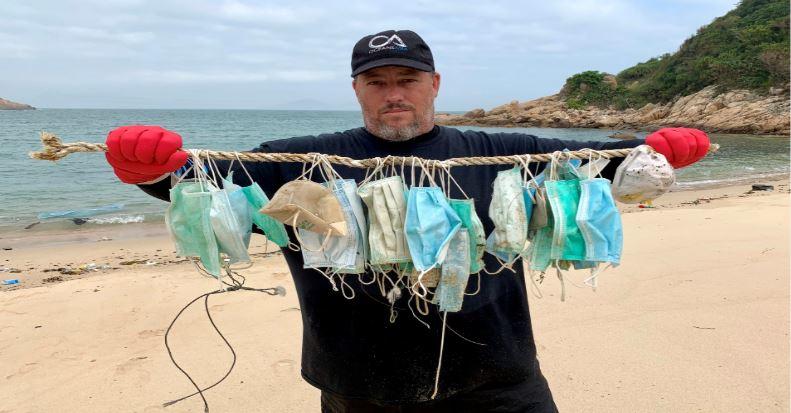 Cubrebocas contaminan mares y océanos