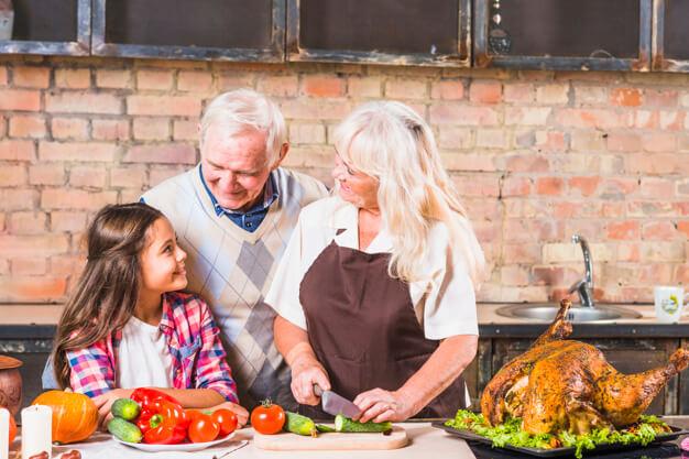 UNAM lanza concurso de cocina para nietos y abuelitos