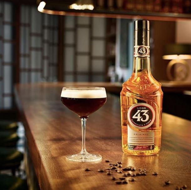 ¿Qué tipo de bebida es el licor 43?
