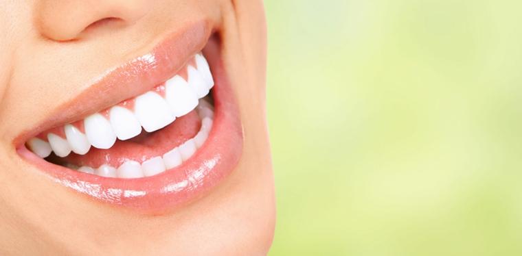 La sábila es un perfecto astringente y antibacterial y sirve como enjuague bucal