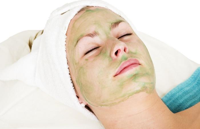 La sábila es una planta rica en antoxidantes y sirve para retrasar la aparición de arrugas en la piel.