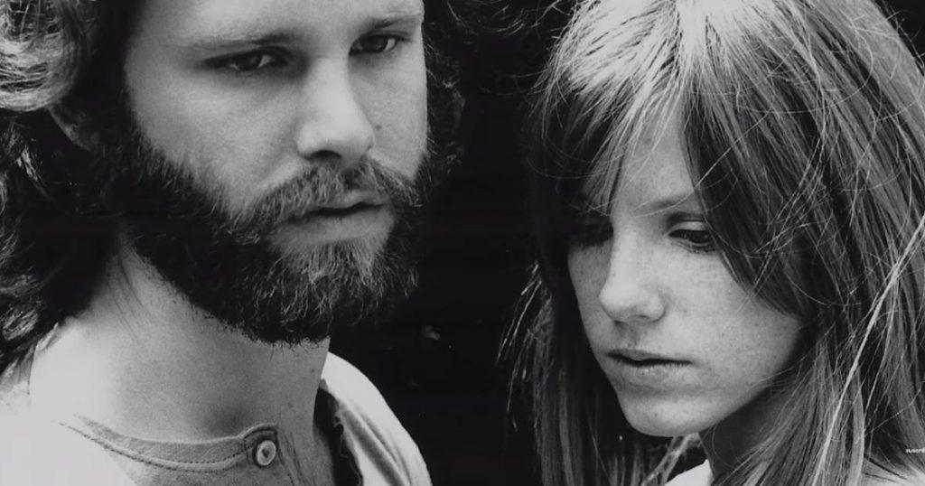 "Jim Morrison: Las teorías de la muerte del ""Rey Lagarto"""