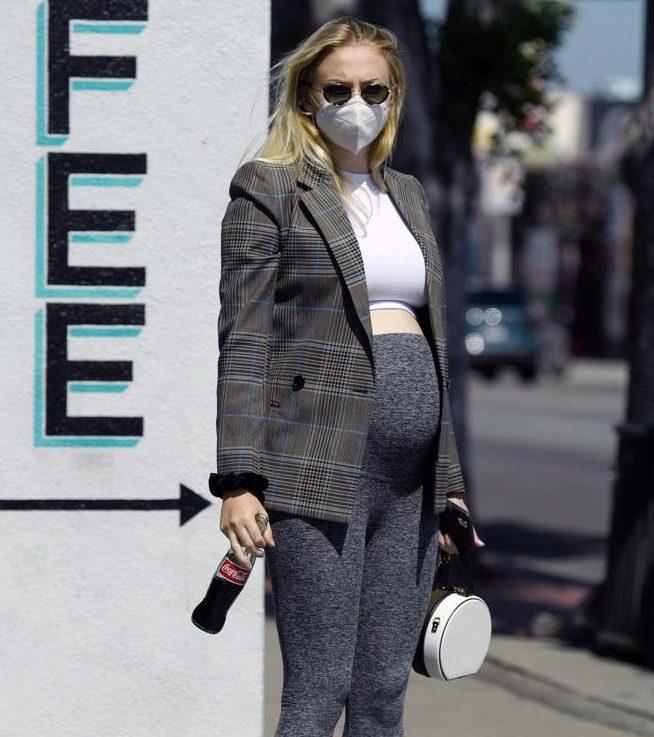 Sophie Turner embarazada