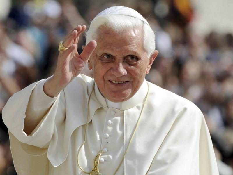 Benedicto XVI enfermo extremadamente frágil
