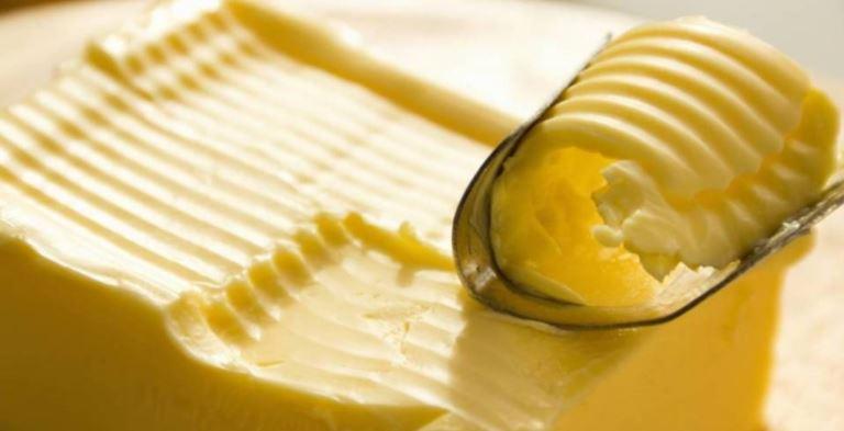 Países que consumen más mantequilla tienen ciudadanos más felices