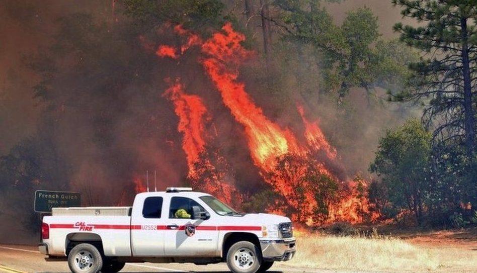 por qué se forma tornado de fuego