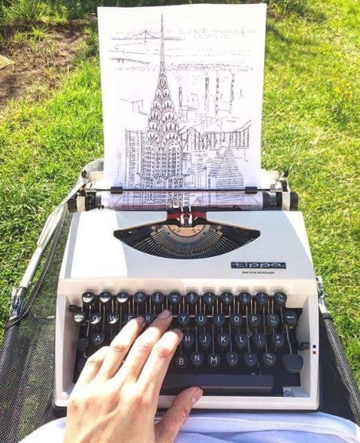 ¡Artista crea dibujos con máquina de escribir!