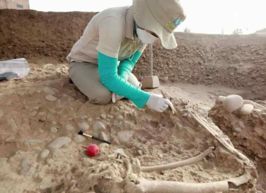 tumbas esqueletos gigantes Crimea