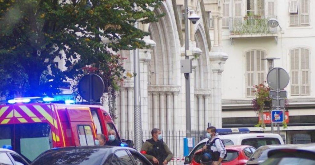 Atentado-terroritsa-Niza-Francia-Iglesia-Notre-Dame-2