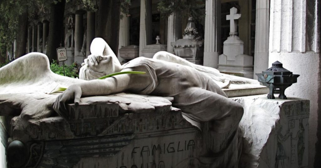 Cementerios-que-vale-la-pena-conocer-Staglieno-Italia