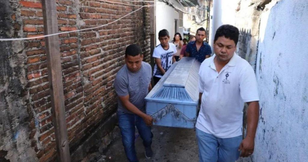 Funeraria-saca-cuerpo-de-joven-de-ataúd-por-falta-de-pago-en-Tehuacán-2