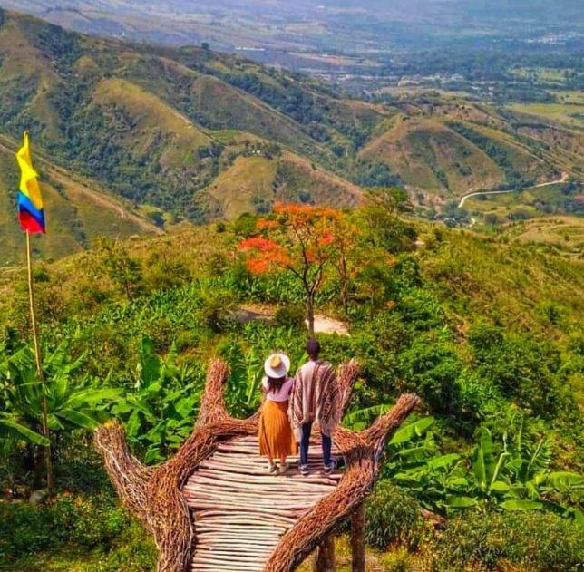 La mano del gigante en Colombia ¡Tienes que conocerla!