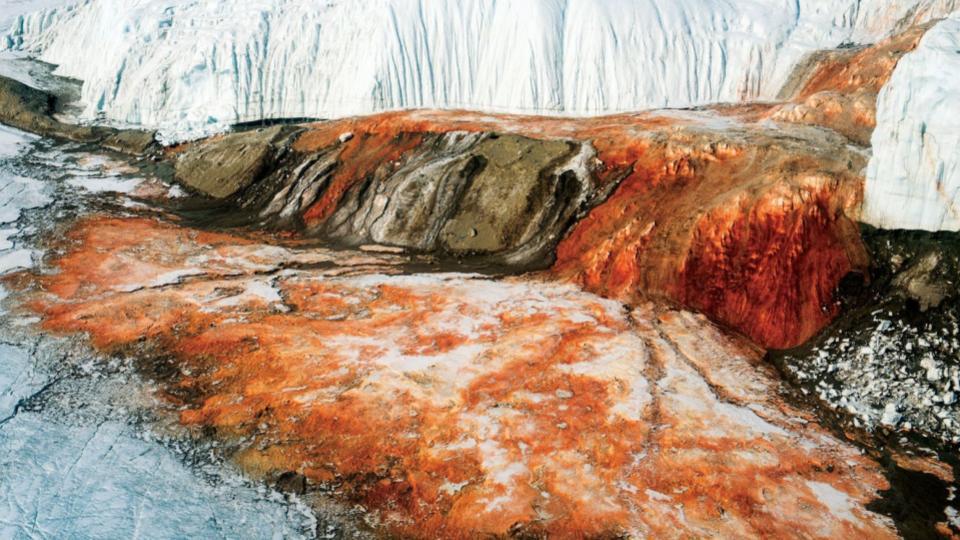 Cataratas-de-Sangre-Antártida-4