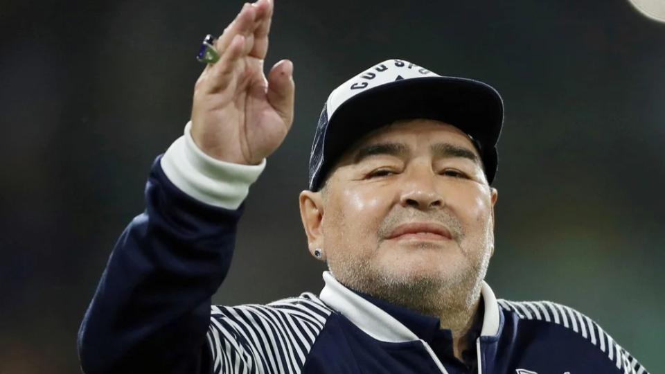 Diego-Armando-Maradona-Muerto-2