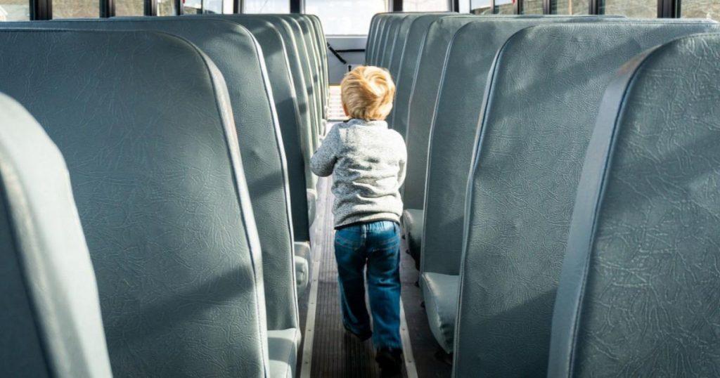 Niño-dormido-Metrobús-abandonado-por-su-papá-3