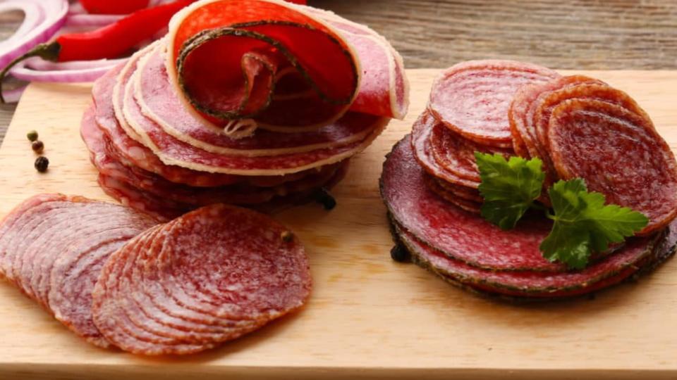 Salami-diferenicas-con-el-pepperoni-2