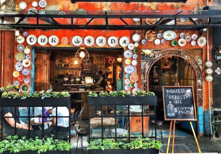 Las cafeterías temáticas más populares de la CDMX