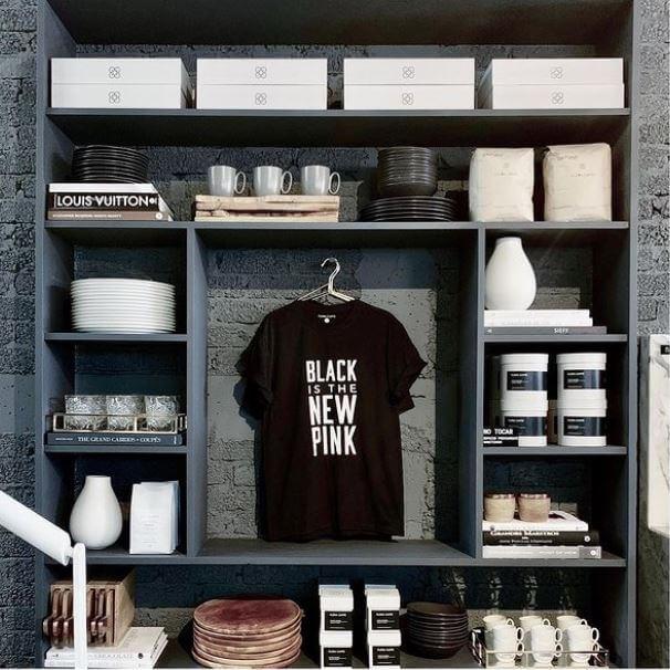 Flora Caffé ahora es negro