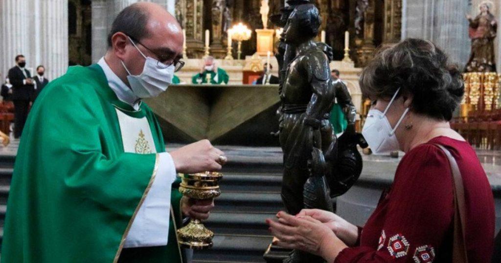 Iglesia-pide-diezmo-y-limosnas-digital-3