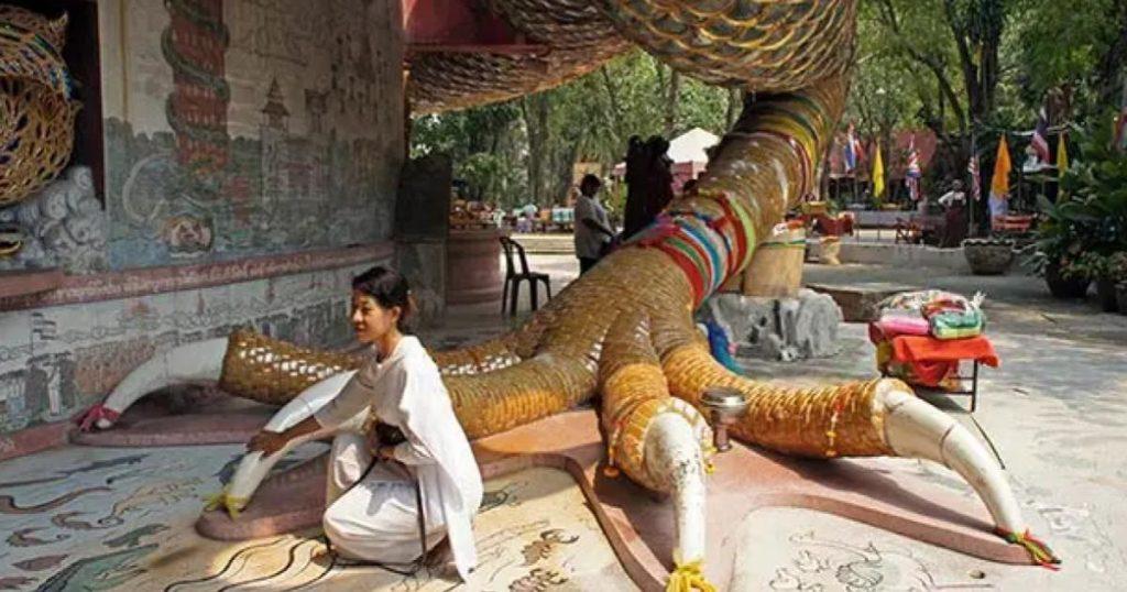 Wat-Samphran-Templo-Rosa-Dragon-Historia