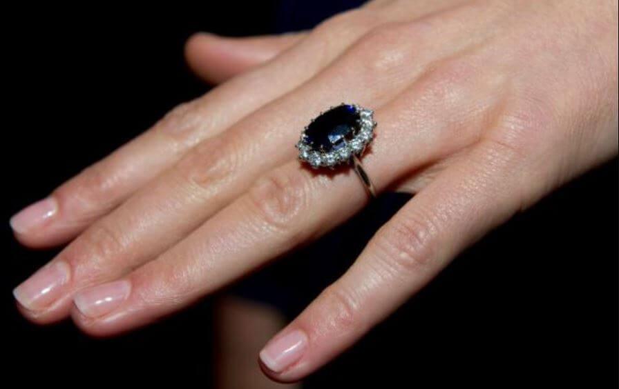 La historia detrás del anillo de Lady Di