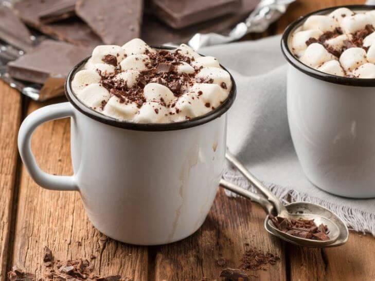 5 bebidas que puedes hacer con chocolate caliente