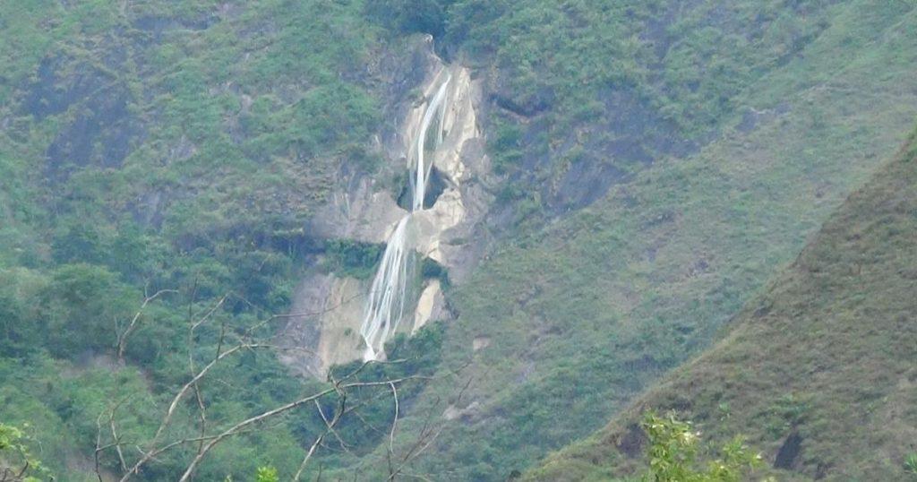 Cascada-de-la-novia-Peru-3