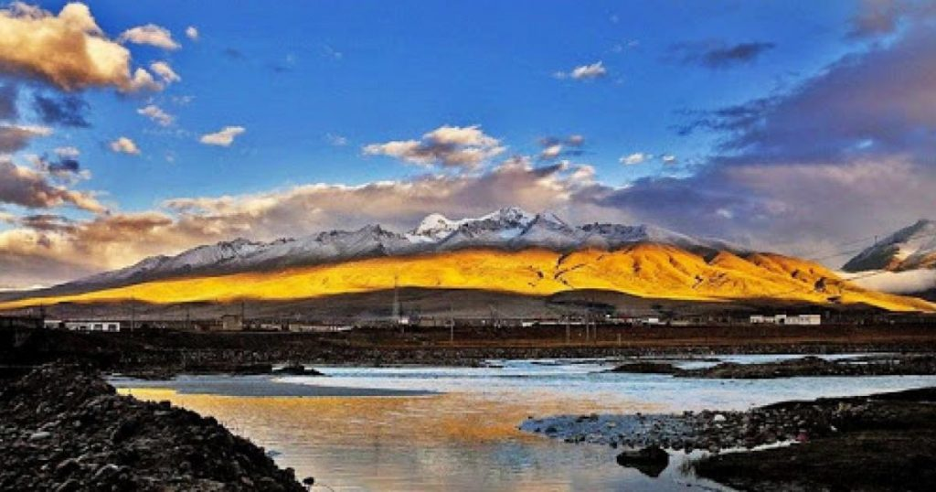 Mejores-spas-naturales-en-mundo-Yanpanchen-Lhasa-Tibet