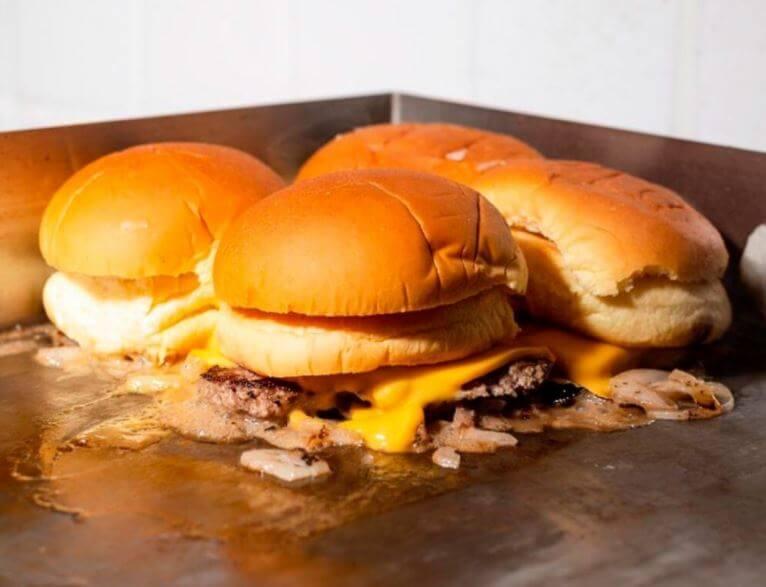 Mr. Blancos y el encanto de sus mini hamburguesas