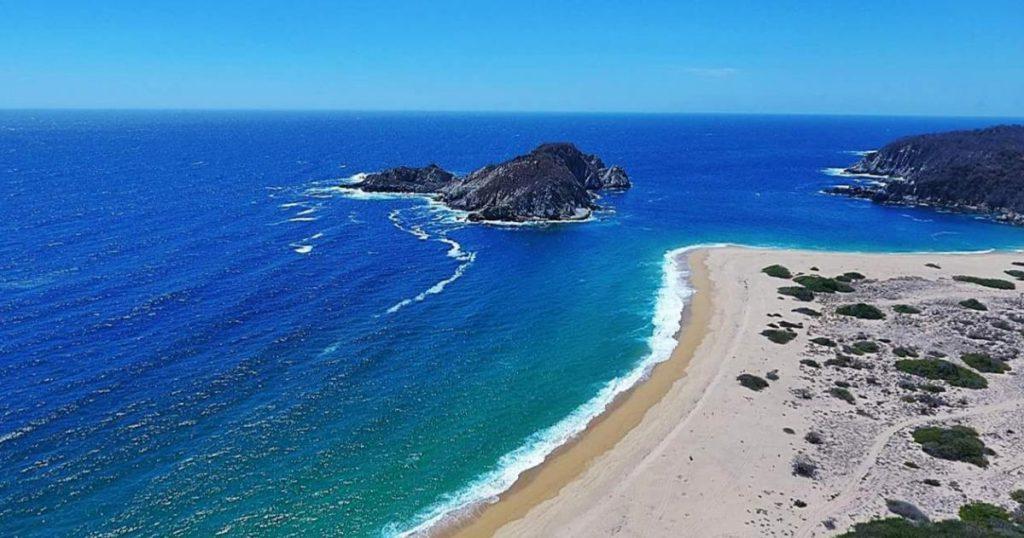 Playas-hermosas-secretas-Mexico-Bahia-Cacaluta-Oaxaca