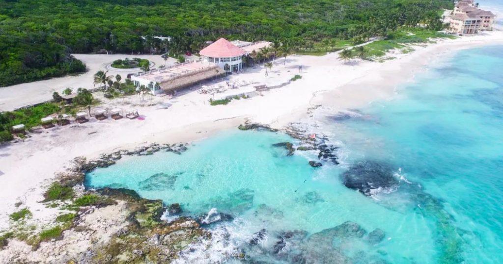 Playas-hermosas-y-poco-visitadas-Caleta-Tankah-Quintana-Roo