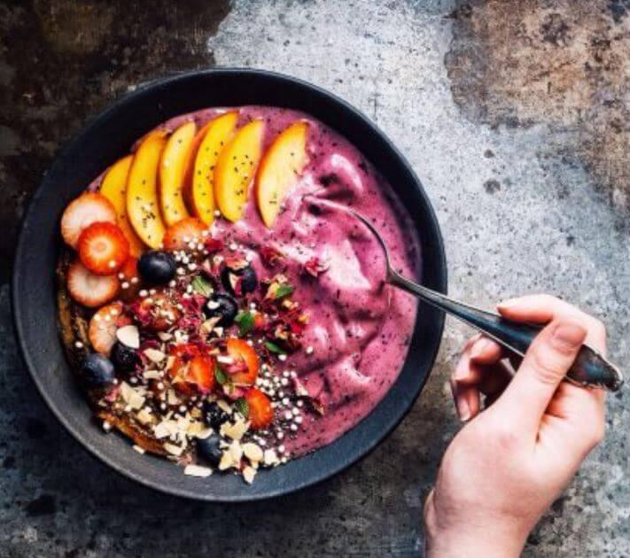 Receta para hacer un delicioso açaí bowl para el desayuno