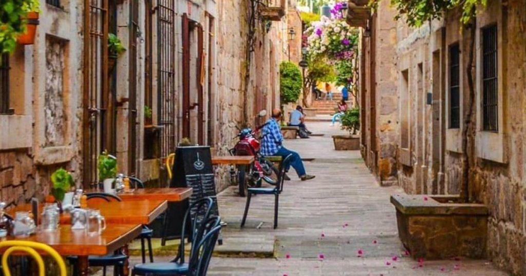 Callejon-del-Romance-Morelia-Michoacan-restaurantes