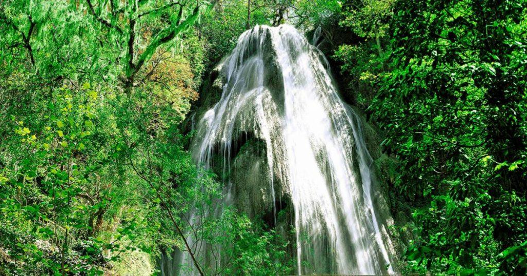 Mejores-cascadas-en-Mexico-Cola-de-Caballo-Monterrey