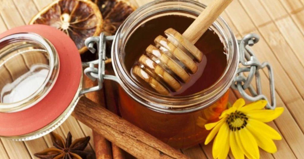 Usos-y-beneficios-Receta-Te-de-canela-con-miel