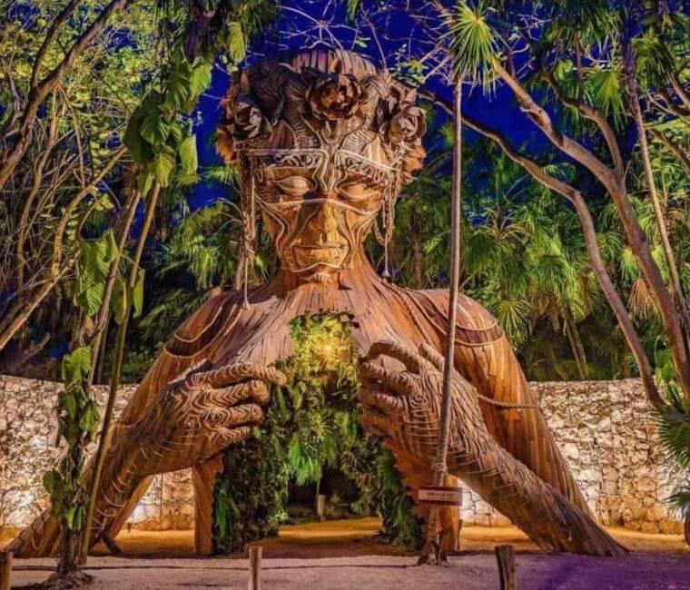 ven-a-la-luz-escultura-gigante-hotel-tulum