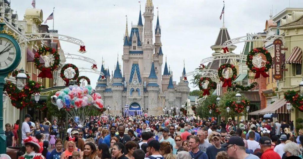 Cosas-que-no-debes-hacer-en-Disney-Dormir-hasta-tarde