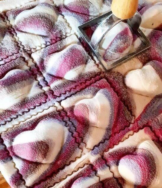 fideos-de-colores-en-forma-de-corazon