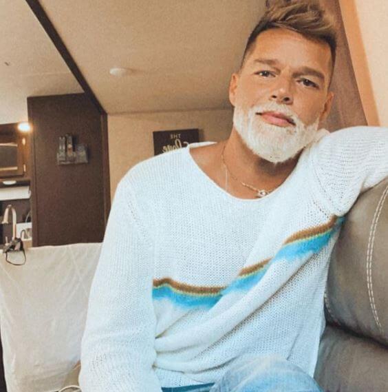 ricky-martin-nuevo-look-barba-blanca-cancion-bonita